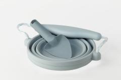 01-blue-pot-spade