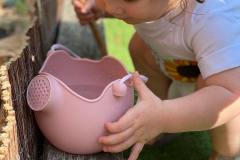 Watering-Can-Lifestyle-1-min